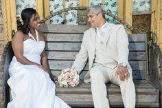 Marli e Inaldo resolveram realizar o casamento depois de quase 25 anos juntos. Foi um mini wedding rústico com um toque de romantismo.Vem ler!