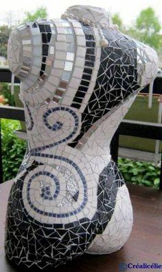 "Buste ""Couture"", buste recouvert de mosaïques Mirror Mosaic, Mosaic Art, Mosaic Glass, Mosaic Tiles, Mosaic Crafts, Mosaic Projects, Art Projects, Art Mannequin, Art Sculpture"