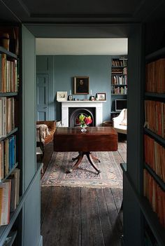 Home Design Drawing Gorgeous drop-leaf table in a room painted the most delicious historic blue. I could will retire to this. Georgian Interiors, House Interiors, Georgian Homes, Sweet Home, Drop Leaf Table, Old Farm Houses, Blue Walls, White Walls, Color Walls
