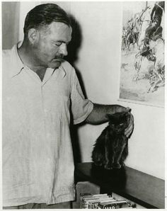 Hemingway and his famous 6 toed cats