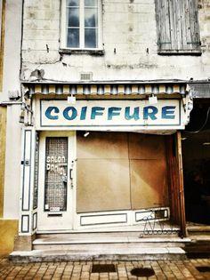 Ancien salon de coiffure à Rue (Picardie)