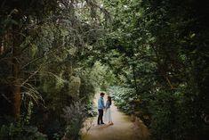 Namoro no Jardim Botânico do Porto   Fotógrafo de Casamento em Lisboa, Portugal   Luciano Reis Fotografia Country Roads, Engagement Session, Lisbon Portugal, Dating, Nice Photos