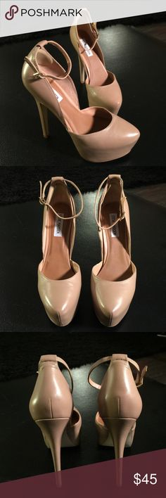 Steve Madden Deeny 8.5 5 inch Deeny heels by Steve Madden in tan. Size 8.5 These perfectly classic heels go with everything. Steve Madden Shoes Heels