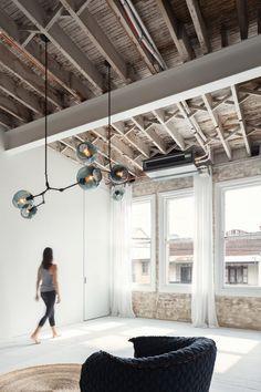 Karen Abernethy creates multi-sensory yoga studio in converted Sydney warehouse - Carola Yoga Studio Design, Yoga Studio Interior, Yoga Studio Decor, Gym Design, House Design, Loft, Converted Warehouse, Wellness Studio, Boutique Interior Design