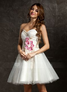 Homecoming Dresses - $126.99 - A-Line/Princess Sweetheart Short/Mini Tulle Homecoming Dress With Ruffle Beading Appliques Flower(s) (022011444) http://jjshouse.com/A-Line-Princess-Sweetheart-Short-Mini-Tulle-Homecoming-Dress-With-Ruffle-Beading-Appliques-Flower-S-022011444-g11444