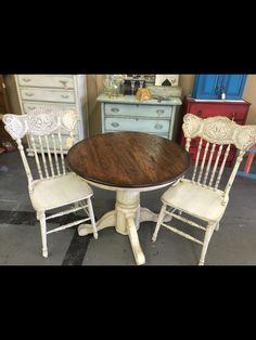 Dixie Belle Paint: Drop Cloth with Van dyke brown glaze Paintiques by Lisa Harrison