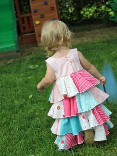 Sewing Pattern: Bouncy Flouncy Dress!!  http://www.craftsy.com/pattern/sewing/clothing/bouncyflouncy-dress/55253