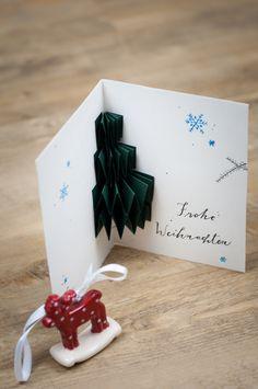 Eine schöne Weihnachtskarte selber basteln -  3D-WEihnachtskarten sind dieses Jahr sehr angesagt. Jetzt kannst Du so eine Karte selber basteln. Die Anleitung dazu findest Du auf meinem Blog :-)