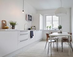 Kitchen:Excellent White Kitchen In Scandinavian Interior Also Wood Plank Floor And Small Dining Set Scandinavian Kitchen design Ideas for Minimalist Looking Kitchen Kitchen Interior, Home Interior Design, Kitchen Decor, Rustic Kitchen, Kitchen Stuff, Interior Styling, Kitchen Dining, Interior Decorating, All White Kitchen