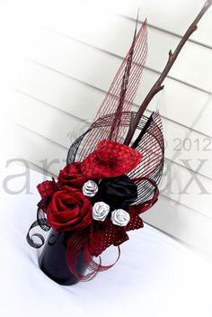 Artiflax - corporate Red, Black and white flax flowers arranged in a black vase Flax Flowers, Fresh Flowers, Fabric Flowers, Paper Flowers, Red Bouquet Wedding, Wedding Flowers, Flower Centerpieces, Wedding Centerpieces, Flax Weaving