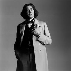 Stephen Fry as Wilde. This is amazing.