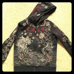 Lucky Brand Hoodie, Medium Beautiful graphics and stitch work on this Lucky Brand Hoodie. It's in excellent condition; the tie string that laces around the hood is gone. Lucky Brand Tops Sweatshirts & Hoodies
