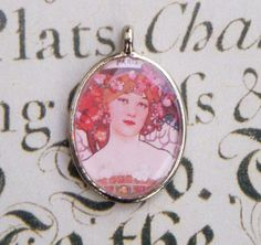 Parisian Art Nouveau silver toned oval pendant by loveliesbylunna