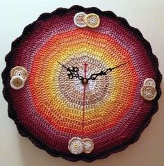 Relojes de pared a crochet: fotos ideas | Ellahoy