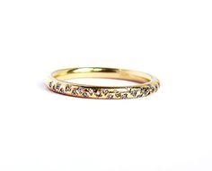18k Gold & Diamond Sprinkle Wedding Band