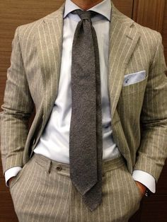 Real Sprezzatura or Calculated Effect ? What about your too long tie ?