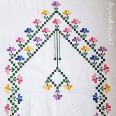 No automatic alt text available. Cross Stitch Borders, Cross Stitch Flowers, Cross Stitching, Cross Stitch Embroidery, Embroidery Patterns, Cross Stitch Patterns, Easy Crochet Patterns, Baby Knitting Patterns, Prayer Rug
