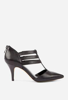 Woman's fashion /Black Heels