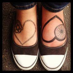 Bicycle Tattoos: Turning Cycling into Body Art tattoo Bicycle Tattoos: Turning Cycling into Body Art Cycling Tattoo, Bicycle Tattoo, Bike Tattoos, Foot Tattoos, New Tattoos, Women's Cycling, Tatoos, Heart Tattoos, Tatoo Art