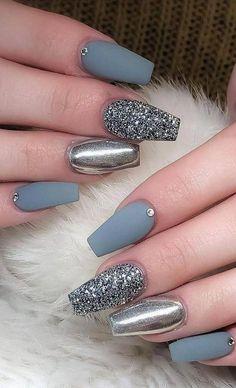 Natural Nail Designs, Beautiful Nail Designs, Cool Nail Designs, Holographic Nails, Gradient Nails, Stiletto Nails, Coffin Nails, Solid Color Nails, Nail Colors