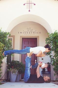 """Family yoga...I'd want to attempt this picture bc the """"fail"""" picture would be epically funny!!! @ Bryan kopcik"""