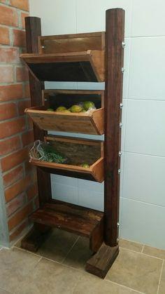 Soporte de madera para verduras