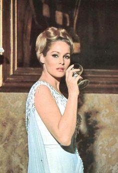 John Derek, Ursula Andress, Bond Girls, James Bond, Model, Beauty, Vintage, Mirror, Stars