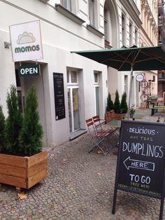 momos | Nepalese diner | open from mon-thu 12:00 - 19:30, fri 12:00 - 21:00 & sat  13:00 - 21:00 | Fehrbelliner Str. 5, Prenzlauer Berg, U  - BERLIN