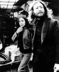 Yoko Ono-Lennon and John Lennon Les Beatles, John Lennon Beatles, Rock N Roll, John Lennon Yoko Ono, Classic Rock Bands, The Fab Four, Ringo Starr, Jim Morrison, Paul Mccartney