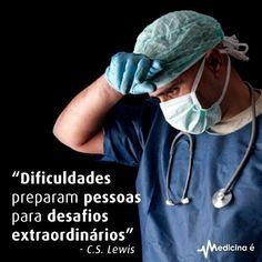 """13.7 mil curtidas, 91 comentários - Medicina é (@paginamedicinae) no Instagram: """"Insista, persista e nunca desista."""""""