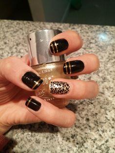 Nails dorado y negro
