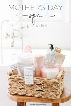 DIY Mother's Day gift basket – SPA day at home! See how easy it is to put togeth… DIY Mother's Day gift basket – SPA day at home! See how easy it is to put together this treat for mom for pampering. Mother's day gift idea from Modern-Glam. Diy Gifts For Mom, Diy Mothers Day Gifts, Grandma Gifts, Mother Gifts, Nana Grandma, Mothersday Gift Ideas, Mother Mother, Grandparent Gifts, Diy Mother's Day Gift Basket
