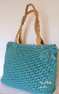 deri saplı mavi el çantası