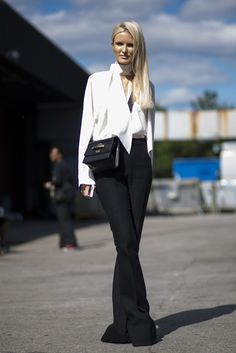 Our Kate Davidson Hudson in our favorite Chloe messenger bag at #nyfw. See more of our favorite streetstyle looks from the week on Editorialist.com