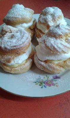 Képviselőfánk Hungarian Cuisine, European Cuisine, Hungarian Recipes, Hungarian Food, Delicious Desserts, Dessert Recipes, Cookie Favors, Sweet And Salty, Granola