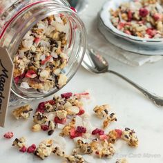 An easy to make and great tasting low carb granola made from wholesome seeds and nuts. Completely sugar-free and suitable for ketogenic and Paleo diets.