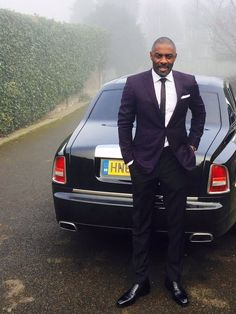 Idris Elba may very well be the most dapper man in the world. His entire existence is a flex. The kind of fine that makes you want to risk it all. Have you ever seen the man without a Idris Elba, Black Is Beautiful, Gorgeous Men, Handsome Black Men, Dapper Men, Well Dressed Men, Man Alive, Swagg, Sexy Men