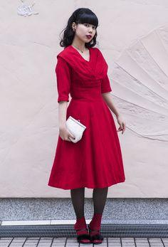 【キャンパス・パパラッチ DAILY】MARTEで購入した50'sの真っ赤なドレスでおしゃれして、MAOさん -文化服装学院卒業式2017- http://soen.tokyo/paparazzi/daily/daily371/