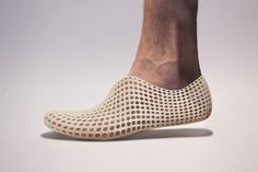 These custom-made, 3D-printed shoes by Olivier van Herpt actually look very comfortable. #3Dprinting #Fashion #Shoes
