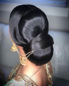Black Wedding Hairstyles, Bun Hairstyles For Long Hair, Pretty Hairstyles, Beautiful Buns, Beautiful Long Hair, Indian Hair Cuts, Blonde Hair Black Girls, Barbie Hairstyle, Bridal Hair Buns