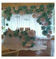 How To Use Giant Paper Flowers At Your Wedding 5 – Fiveno Party Kulissen, Party Ideas, Paper Flower Backdrop Wedding, Paper Backdrop, Wedding Flowers, Wedding Backdrops, Wedding Paper, Floral Wedding, Deco Champetre