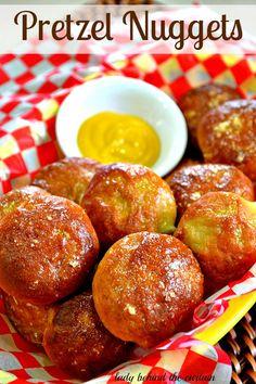 Pretzel Nuggets - Lady Behind The Curtain Great Recipes, Snack Recipes, Favorite Recipes, Healthy Recipes, Dinner Recipes, Kino Snacks, Homemade Pretzels, Following A Recipe, Bon Appetit