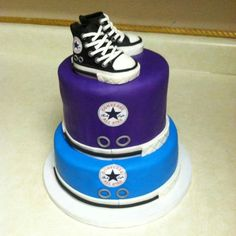 Converse cake Teen Boy Birthday Cake, Bithday Cake, Birthday Ideas, Baby Shower Cakes, Baby Shower Parties, Baby Boy Shower, Shower Party, Converse Cake, Cool Cake Designs