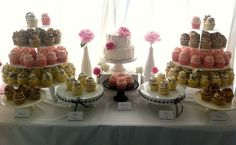 Gigi's Cupcakes wedding reception cupcake stands