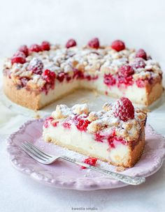 Raspberry and Crumble Cheesecake