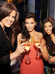 FAMILY MATTERS photo | Khloe Kardashian, Kim Kardashian, Kourtney Kardashian