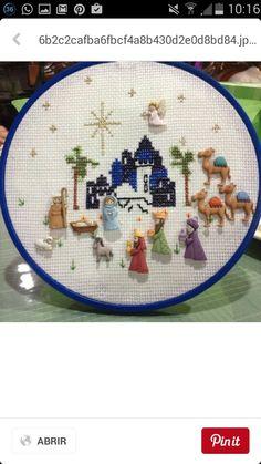 Black Christmas Tree Decorations, Black Christmas Trees, Christmas Tree Pattern, Christmas Nativity, Pink Christmas, Christmas Gifts To Make, Christmas Crafts, Christmas Ideas, Tree Crafts