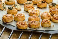 Cesnakové kolieska s nivou alebo špenátom Baked Potato, Shrimp, Muffin, Potatoes, Baking, Breakfast, Ethnic Recipes, Food, Basket