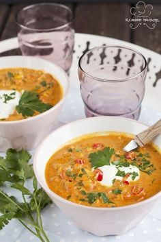 SOUP: Spicy chickpea soup with tomato, coconut milk, ginger, shallots and garlic. Raw Food Recipes, Soup Recipes, Vegetarian Recipes, Healthy Recipes, Dinner Recipes, Spicy Soup, Chickpea Soup, Vegan Soups, Soup And Salad