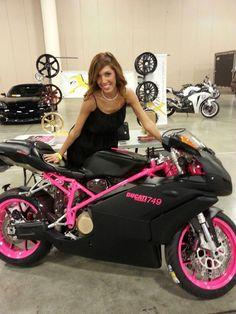hate farrah but LOVE that black n pink ducati